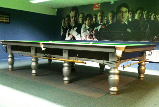 FULL SIZE RILEY ARISTOCRAT MATCH SNOOKER TABLE